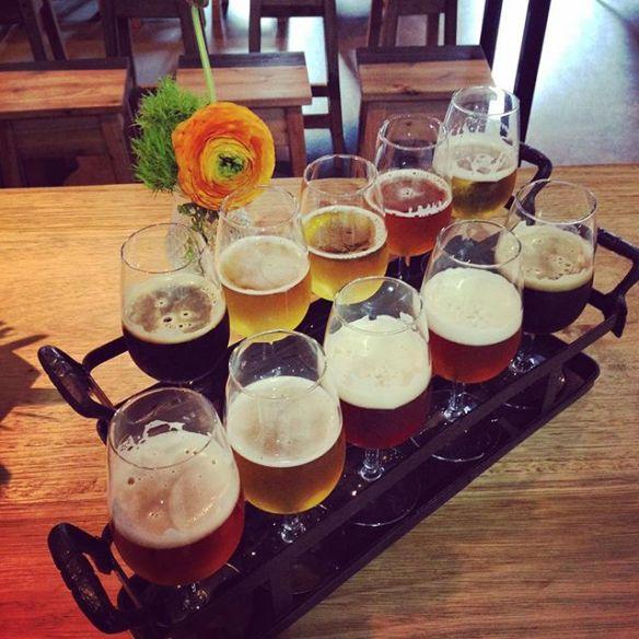 Ecco un bel tasting paddle con varie birre da assaggiare :-)